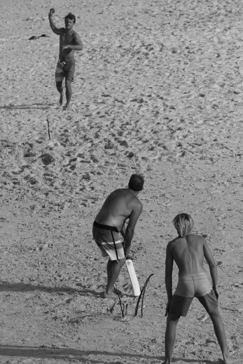 Beach cricket at Cabarita, New Years afternoon 5